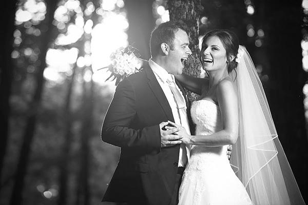 Κλασσικός γάμος σε γραφικό ξωκλήσι | Πηγή & Γιώργος