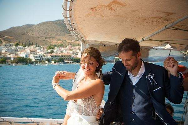 ρομαντικος-γαμος-περιπετεια-βαρκα