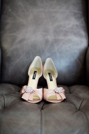 Ροζ-νυφικα-παπουτσια