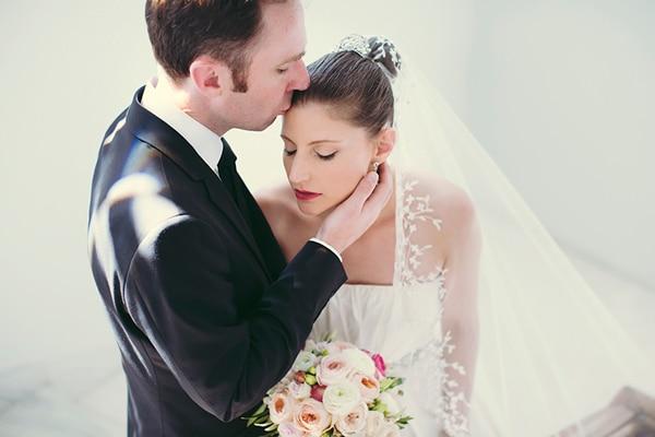 εντυπωσιακη-φωτογραφηση-γαμου