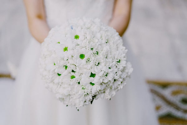 Λευκη ανθοδεσμη γαμου