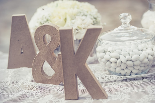 ρουστικ-διακοσμηση-γαμου-ιδεες-ξυλο