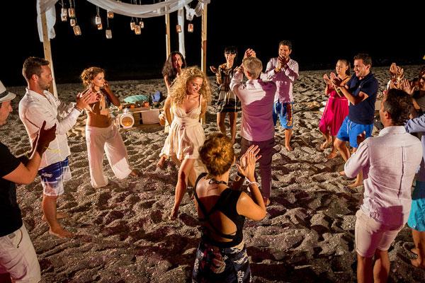 20 τραγούδια γάμου για πάρτυ στην παραλία