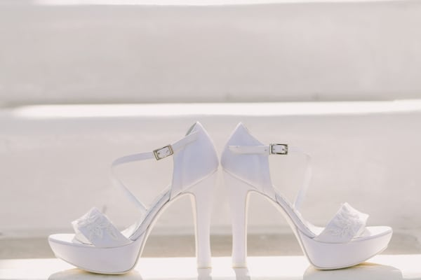 ασπρα-νυφικα-παπουτσια