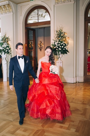 Elegant γαμος με κοκκινο Vera Wang νυφικο | Belinda & Jon