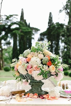 ανοιξιατικος-γαμος-λουλουδια