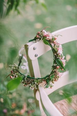 στεφανι-με-λουλουδια-για-τα-μαλλια