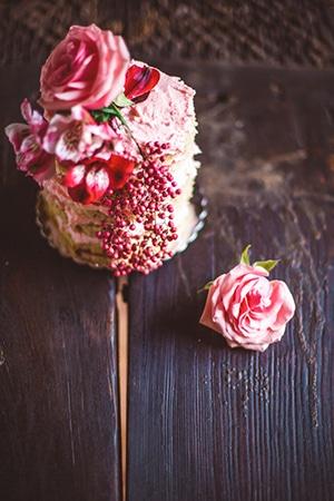 blush-burgunday-wedding-decorations-2