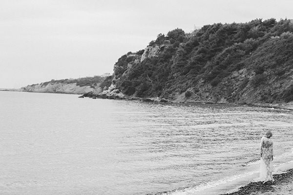Dreamy-red-winter-bridal-shoot-beach-25