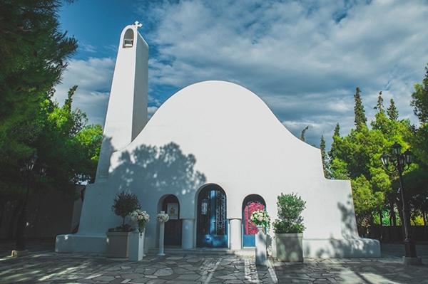 εκκλησια-για-γαμο-καβουρι