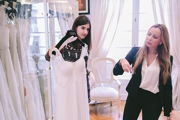 επιλογή νυφικού στο atelier της Victoria Kyriakides (7)