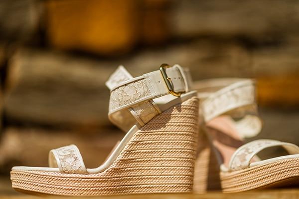 παπουτσια-νυφης-για-γαμο-καλοκαιρι