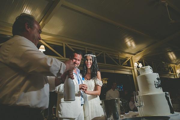 καλοκαιρινος-γαμος-παργα-γαμηλια-τουρτα