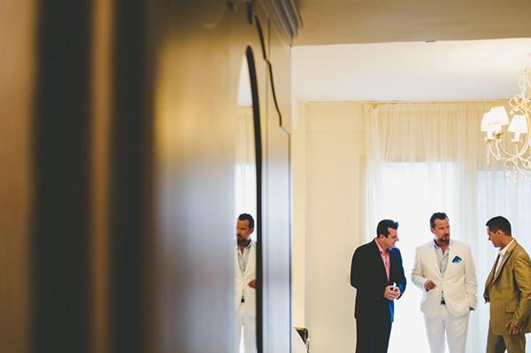 καλοκαιρινος-γαμος-παργα-ετοιμασια-γαμπρου
