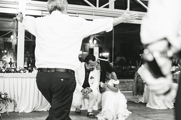 καλοκαιρινος-γαμος-παργα-χορος-δεξιωση