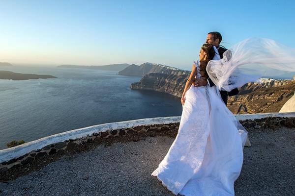 Ρομαντικός καλοκαιρινός γάμος στη Σαντορίνη | Βάλια & Αλέξης