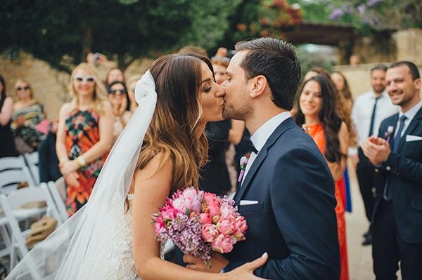 Ανοιξιάτικος γάμος με έντονα χρώματα και χρυσό | Κρίστια & Γιάννης