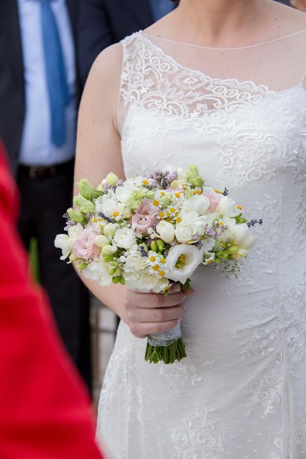 νυφικη-ανθοδεσμη-πολιτικος-γαμος (1)