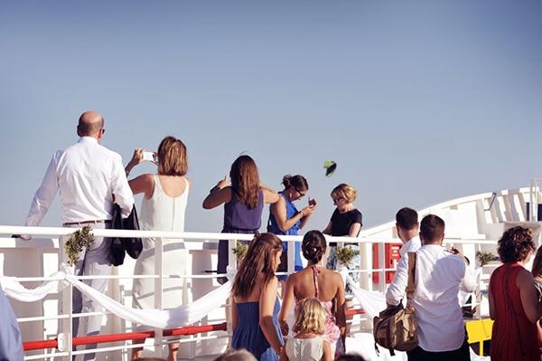γαμος-σε-ferry-boat (9)