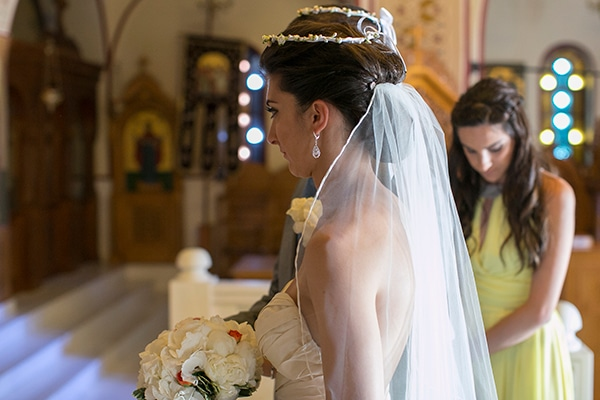 γαμος-στην-σαντορινη-νυφη
