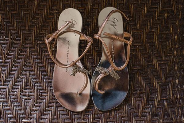 ρουστικ-γαμος-στην-ναξο-GIUSEPPE ZANOTTI-νυφικα-παπουτσια