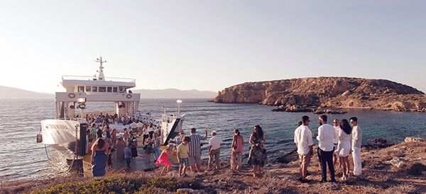 destination-γαμος-Ελλαδα-ferry-boat