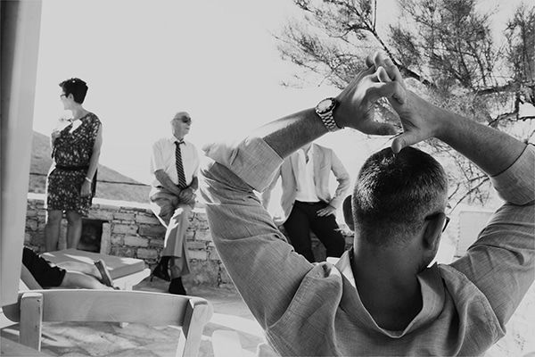 προετοιμασια-γαμπρου-γαμος-νησι