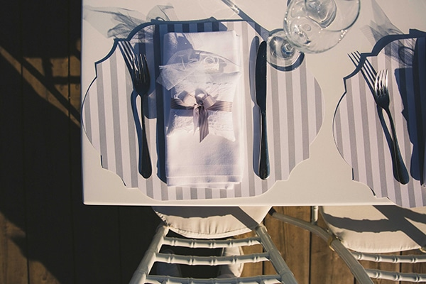 γαμος-με-λευκο-και-γκρι-χρωματα (1)