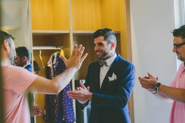 κοστουμι-για-καλοκαιρινο-γαμο