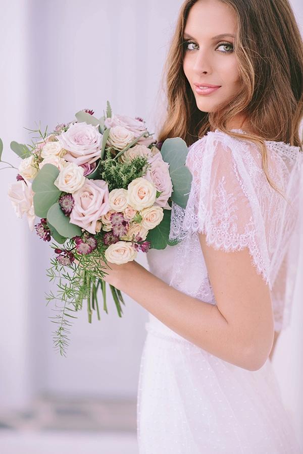 νυφικη-ανθοδεσμη-ιβουαρ-τριανταφυλλα