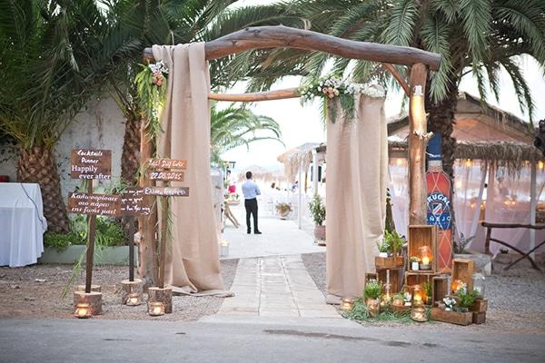 Ιδεες για γαμο στην παραλια με ρομαντικο στυλ