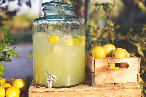 lemonade-stand (2)