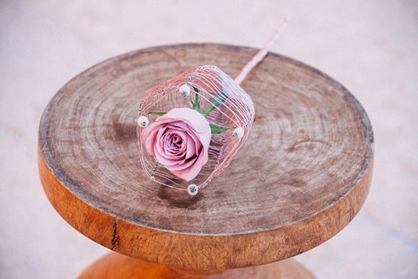 μωβ-λουλουδα-γαμου