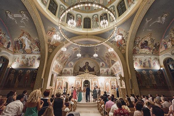 εκκλησια-γαμου (2)