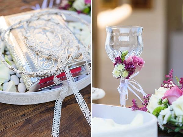 μοβ-λουλουδια-γαμος