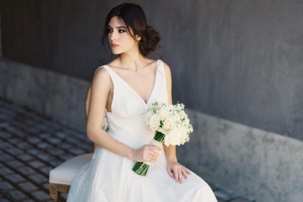 Elegant white and gold wedding inspirational shoot