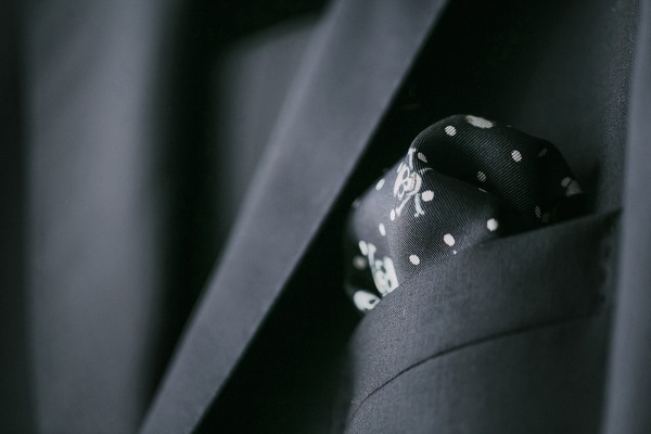 μαυρο-κοστουμι-γαμπρου (1)