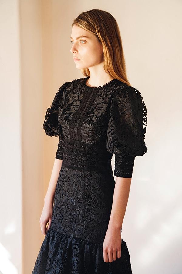 μοντερνα-φορεματα-για-κουμπαρες (3)