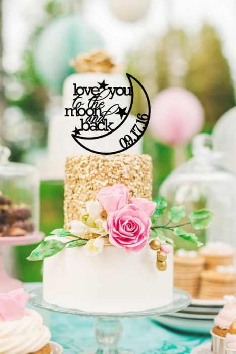 Πρωτότυπη κορυφή γαμήλιας τούρτας σε μαύρο χρώμα με την ημερομηνία του γάμου σας!