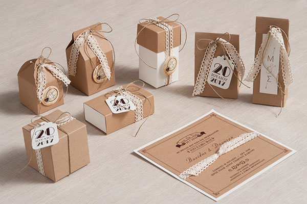 Beautiful wedding stationery by Biniatian