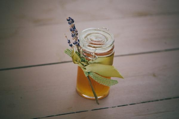 Μπομπονιερα με μελι και λεβαντα