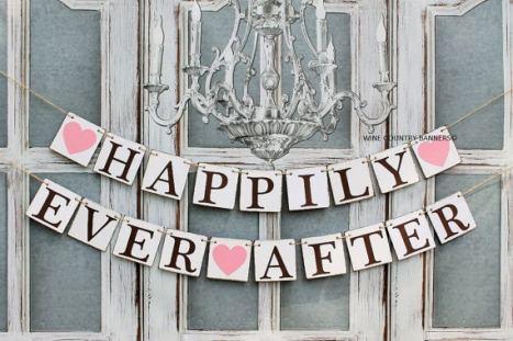 """Διακοσμητικό banner γάμου """"happily ever after"""" για να κρεμάσετε στο χώρο της δεξίωσης"""