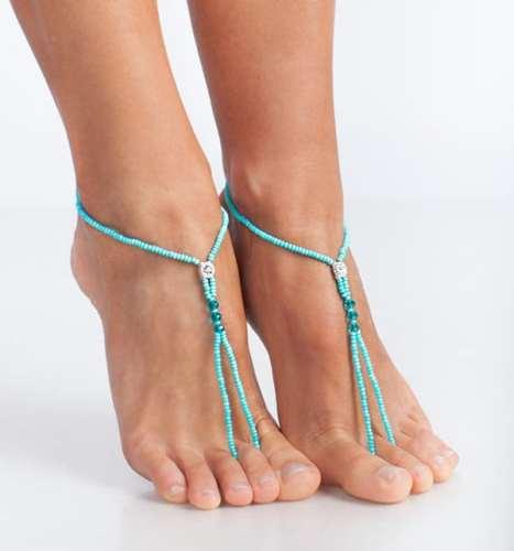 Barefoot σανδάλια σε τιρκουάζ χρώμα για την παραλία