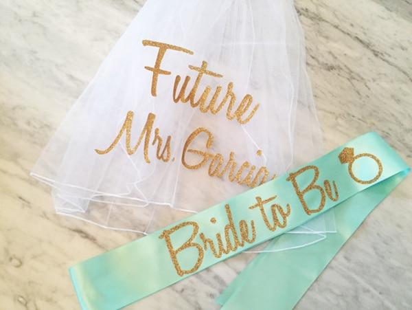 bachelorette-party-sash-veil-set