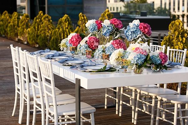 ροζ-και-μπλε-λουλουδια-στολισμος-1