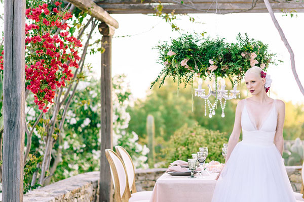 Romantic with a touch of elegance styled shoot