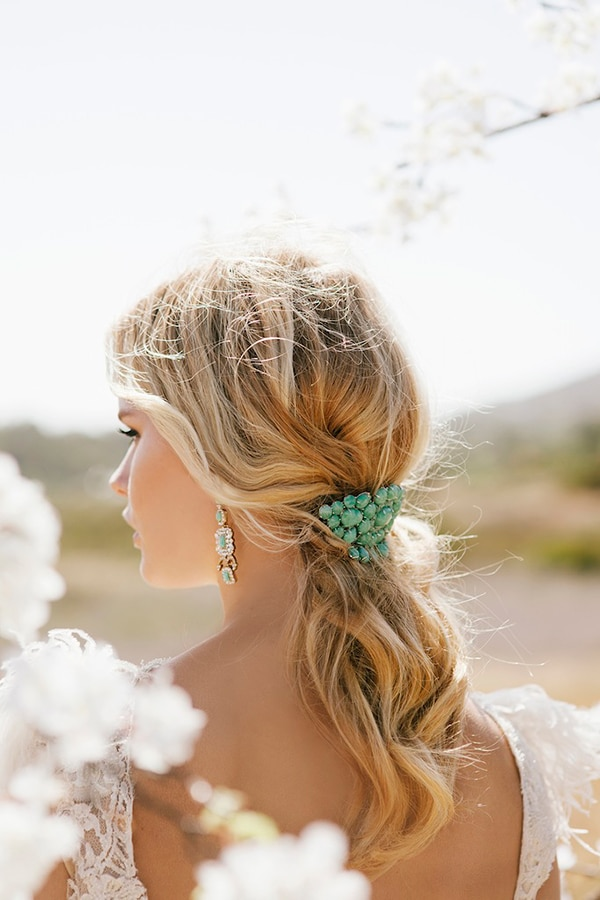 bridal-hairstyle-trends-2017-decorated-hair