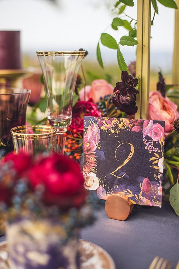 royal-blue-gold-wedding-table-decoration