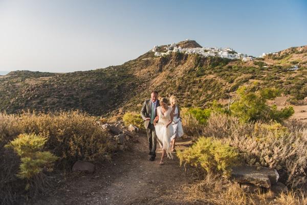 romantic-wedding-in-milos-40