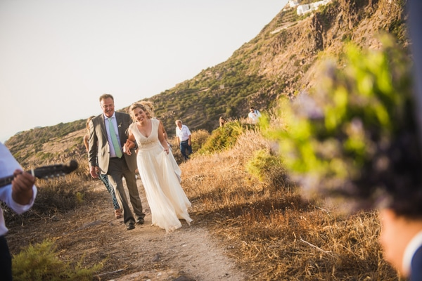 romantic-wedding-in-milos-42